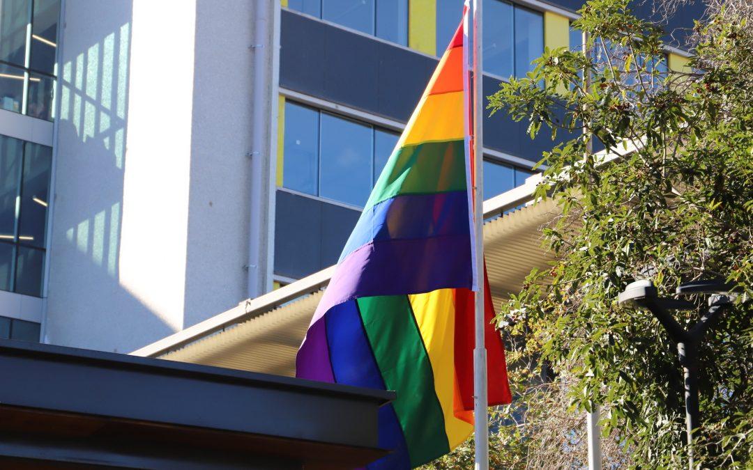 UOH conmemora el Día Internacional contra la Homofobia, Transfobia y Bifobia junto a la comunidad universitaria