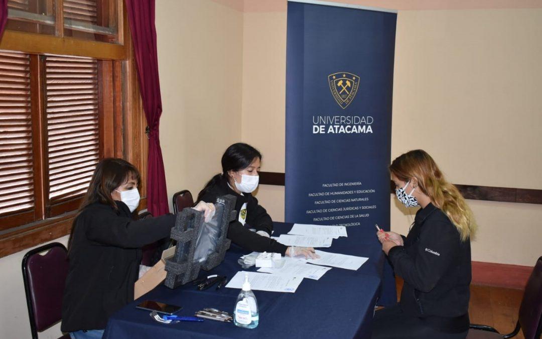 UDA prosigue entrega computadores y banda ancha de la Beca Conectividad en diversas comunas de Atacama