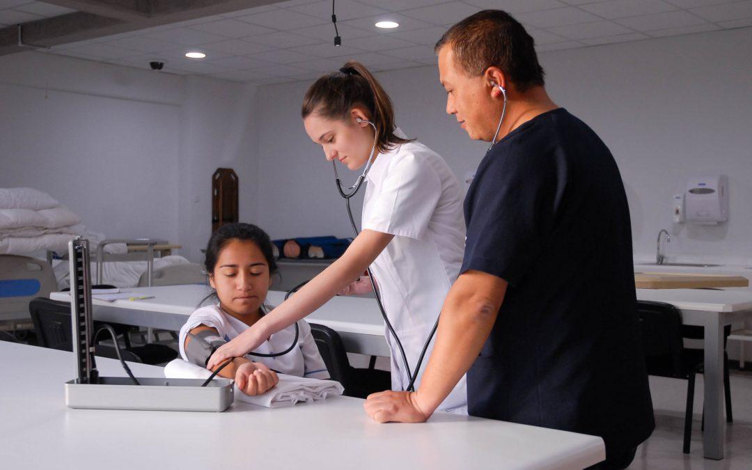 Enfermería de la ULagos destaca en medición nacional de la disciplina