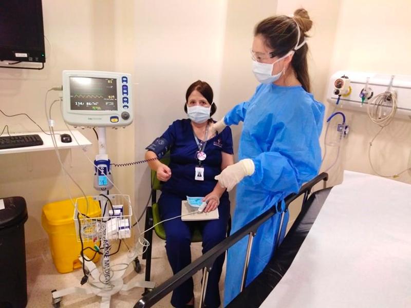 40 pacientes se atendieron en la Unidad Crítica Covid levantada por el Hospital Clínico de la U. de Chile