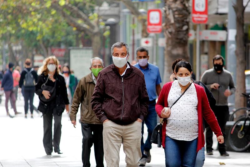 Expertos U. de Chile llaman a integrar a la ciudadanía en las estrategias de prevención del COVID-19