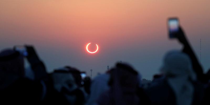 La Chile te invita a ver el eclipse solar 2020 de forma segura junto a sus especialistas en la observación del universo