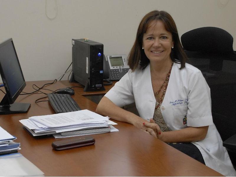 ISP aprueba uso de vacuna Oxford-AstraZeneca cuyo estudio en fase 3 fue liderado por la U. de Chile