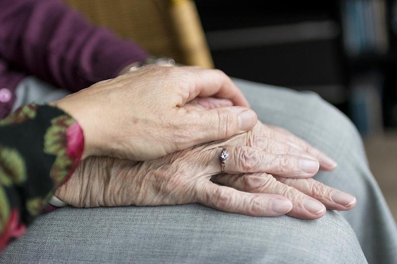 U. de Chile propone diseño inclusivo en hogares para mejorar la calidad de vida de personas con demencia