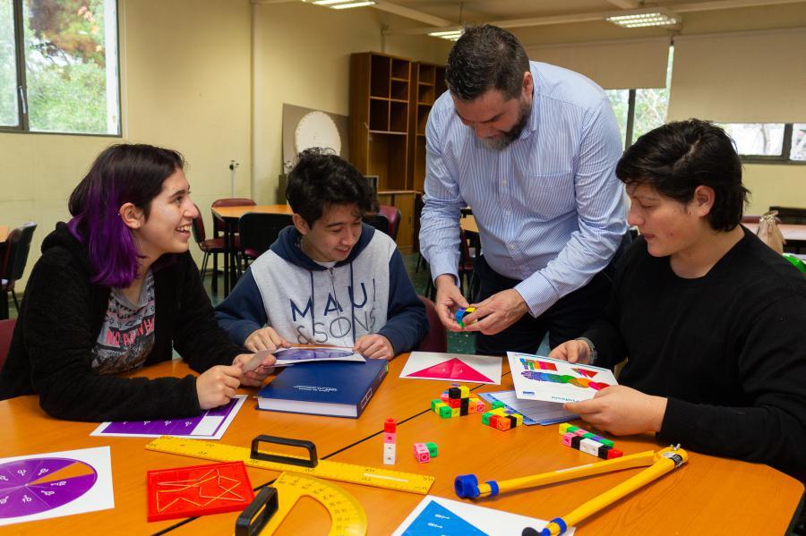 Investigadores UBB proponen enseñanza de la matemática que reconozca contextos mapuche, migrante y de la ruralidad