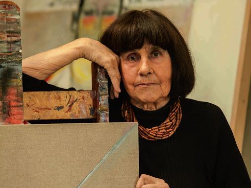 Comunidad universitaria despide a la artista Roser Bru