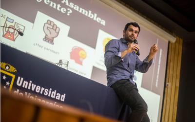 El día que Jaime Bassa le explicó a un millar de porteños cómo se redacta una nueva Constitución